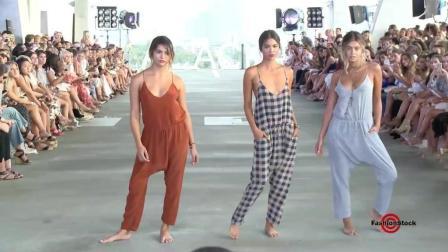 这些模特都很会摆拍, 为了时尚玩尽了花样!