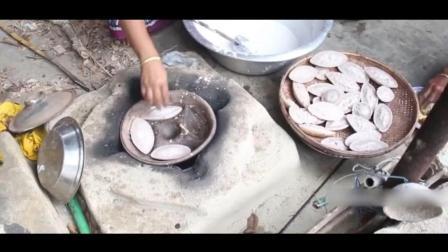 把米磨成粉末, 用米糊做出来的煎饼, 感觉比面做的更香