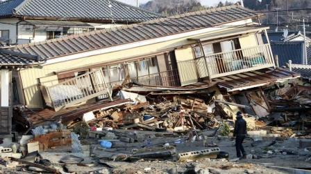又见日本: 日本人能收拾好看台上的垃圾, 但7年都没能收拾好福岛