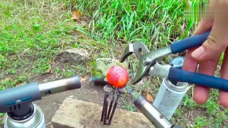 1000度金属球对抗花生酱, 你猜会发生什么?