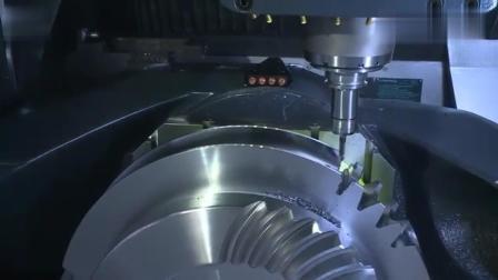 实拍: 数控机床加工齿轮的工作过程!