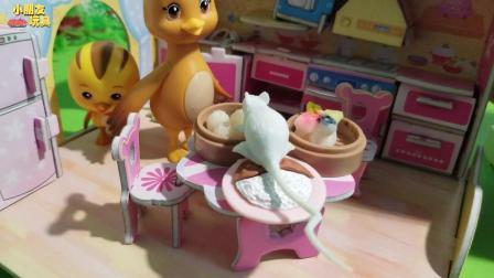 萌鸡小队玩具故事: 美佳妈妈准备好的早餐, 被大老鼠偷吃了
