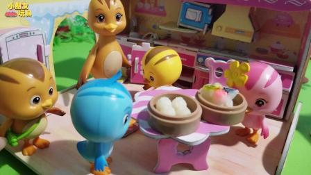 萌鸡小队玩具故事: 美佳妈妈做好了早餐, 可是大宇却迟迟不肯吃