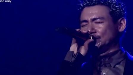 歌神张学友现场翻唱《小城大事》 他的情歌总是那么深情! 哭了!