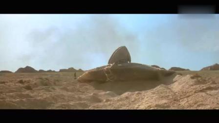 飞船被炸, 男子很不爽。一拳就把外星人干掉了!