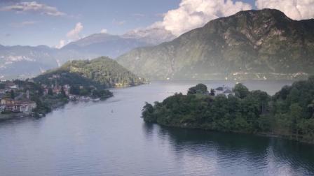 航拍湖泊与小岛