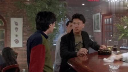这服务生比星爷还厉害, 一句话把星爷呛的没话说
