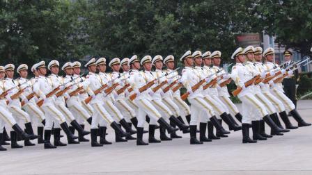 实拍三军仪仗队日常训练, 士兵们踢正步的声音百听不厌!