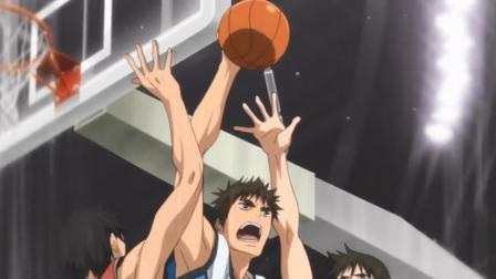 黑篮:早川爆发出强大的跳跃力,成功抢得篮板球,为队伍扳回局面