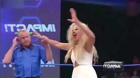 女子拳王争霸赛, 太猛了, 观众不淡定了。