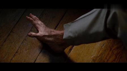 """小伙儿往""""兽脚""""上打了一针, 想变回人脚, 没想到越变越大!"""