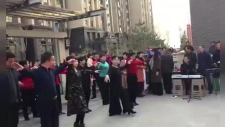 太原首开小区双人舞表演