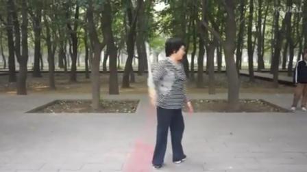剑花_北京大姐表演_有点难度的
