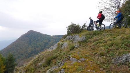 两天从意大利骑车到法国, 三伙伴来了次高山冒险