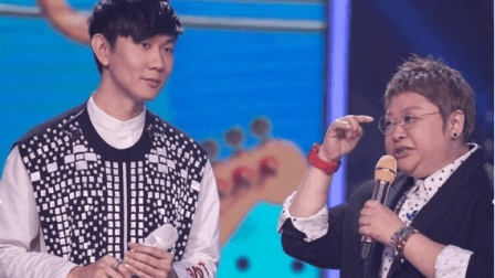 韩红、林俊杰合唱一首超好听的歌《飞云之下》