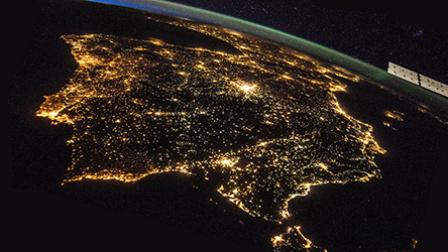 一张卫星灯光图告诉你中国对外援助效果