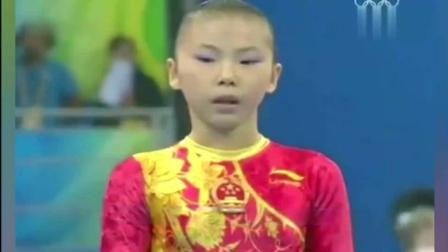 中国体操公主何可欣的这套高低杠动作, 让外媒惊呼难以相信