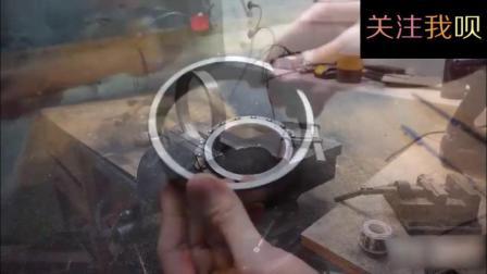 实拍牛人用旧轴承制作一把刀的惊人过程, 太过瘾了!