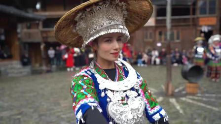 贵州这个民族已经在过新年了, 不管男女老少, 她们能歌善舞
