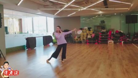 周雨奇古典舞《宫墙柳》, 肩膀受伤了还能跳这么好, 关键在韵味