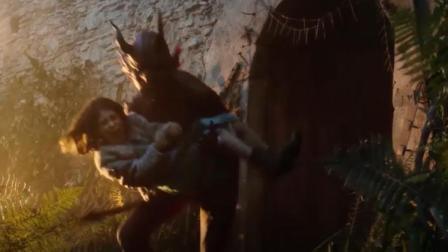 魔鬼劫走了小女孩, 走前还放下狠话, 可帅不过3秒, 就被打残了!