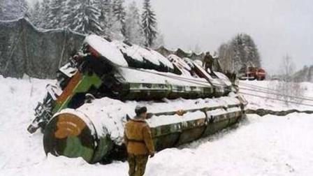 火车出轨, 战略导弹翻车, 俄频低级事故