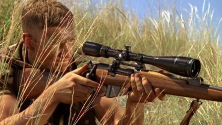 《狙击精英》非洲人出场扫射从不打掩护, 你们难道不知道那个圆圆的叫准星?