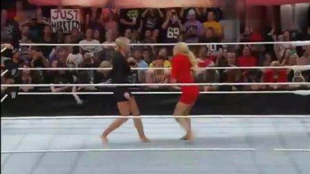 WWE女子背叛男友, 被新女友当场掌掴, 如此可怜的小美人
