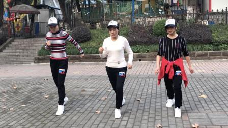 3姐妹公园练习鬼步舞《心跳》, 这几组动作太好看了, 简单帅气