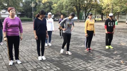 想学鬼步舞? 不会完整舞步? 慢动作教你组合步小套路, 简单好学!