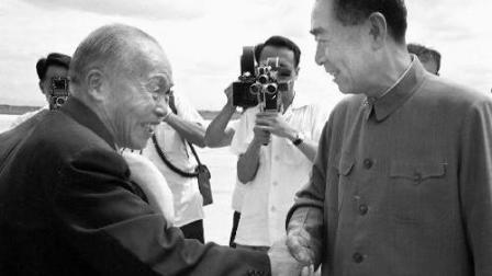 珍贵历史影像: 1965年7月20日李宗仁回国, 周总理在电话前彻夜未眠并亲自到机场迎接! ! !