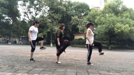 鬼步舞《踩滑飘》教学, 老师一步一步教你, 飘起来就是这么简单