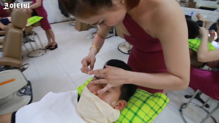 越南很有特色的刮脸服务, 小姐姐很温柔, 在这感受到了放松