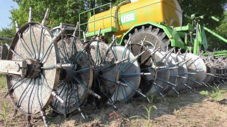 国外大型农场施肥, 机械化的速度令人赞不绝口, 看完惊呆了