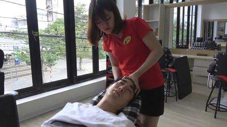越南头部按摩, 美女手法熟练, 看着很舒服