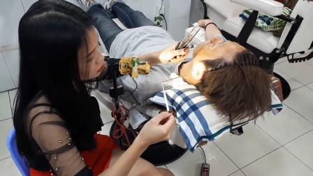专业越南采耳, 美女展示独特手艺, 手法不一般
