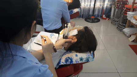 传统越南采耳手艺, 看着就很舒服, 真想体验一下