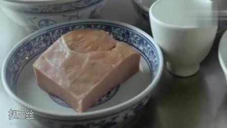 《舌尖上的中国》这手艺得练十年——切丝细如发, 整鱼、整鸭脱骨。厉害的刀工。