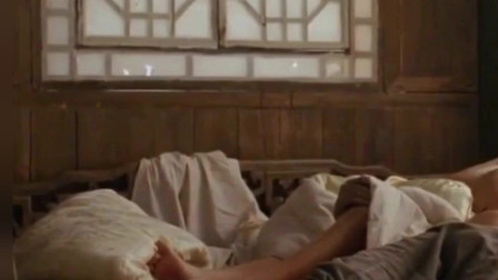 菊豆: 老头子有事外出, 巩俐的一个动作, 让小徒弟胆子更大了!