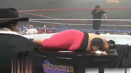 WWE第一重400斤相扑手上台, 送葬者不淡定了。