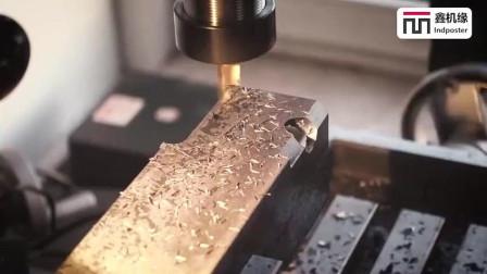 德国工人保养一台老式机床, 细致程度不敢相信, 称得上工匠