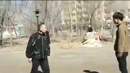 格斗爱好者不服中国功夫, 太极大师上场教训, 一出手全场尴尬了!