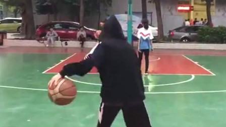 对会打篮球的女生没有抵抗力, 好想追她呀