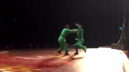 真正的武学宗师, 武术家于海与儿子的螳螂拳对练!