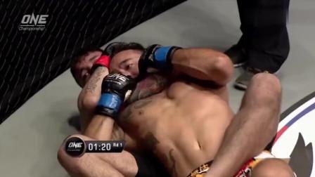 被柔术黑带粘上是什么下场? 这个拳击手有血的教训!