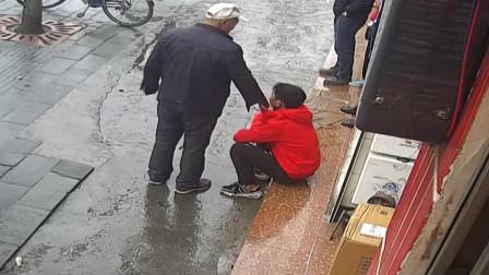 不学好!湖北十堰 4名未成年学生分工协作 盗窃超市香烟被抓