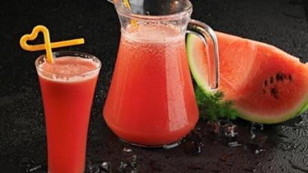 西瓜和红椒这样的搭配, 榨出来的汁儿口感竟这么好,赶快试一下吧