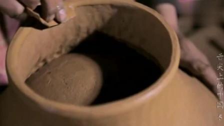《舌尖上的中国》扎西原封不动的,传承了3000年前祖先的制作工艺