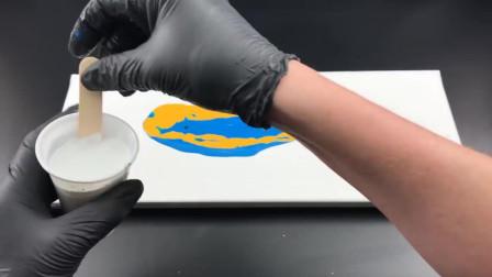 蓝色和黄色的流体画,价值百万的抽象艺术
