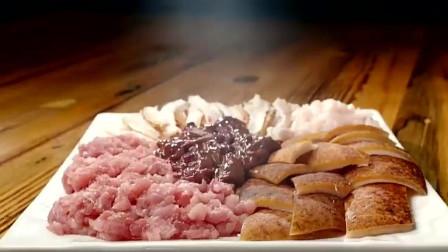 风味人间:白族的传统美食烤全猪你吃过吗?真是简单粗暴